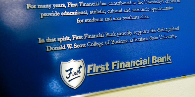 FD222 - First Financial Bank Executive Board Room