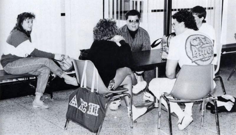 Delta Sigma Pi, Delta Tau chapter, 1991