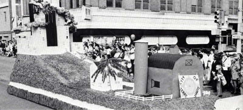 Delta Sigma Pi, Delta Tau chapter, 1972 Homecoming Float