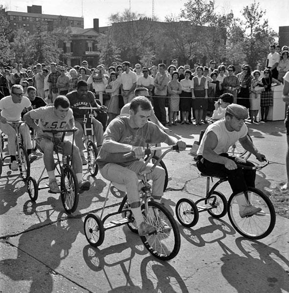Trike Race, 1964