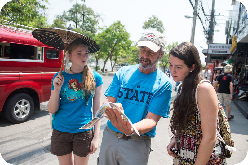 Prof. Bill Wilhelm with students Katelyn Haase and Laura Johnson in Thailand